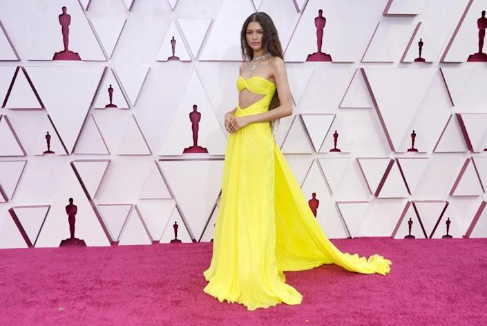 Zendaya arrives at the Oscars.