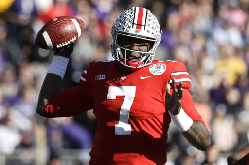 "Ohio State's <a class=""link rapid-noclick-resp"" href=""/ncaaf/players/271419/"" data-ylk=""slk:Dwayne Haskins"">Dwayne Haskins</a> could be the first quarterback selected in the 2019 NFL draft. (AP Photo/Jae C. Hong)"
