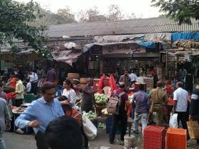 Illegal hawkers: In surprise check, KDMC chief suspends 3 officers