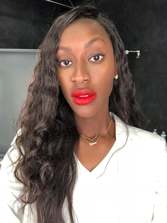Brittaney wearing Fenty Beauty Stunna Lip Paint in Uncensored. (Photo: Yahoo Lifestyle)