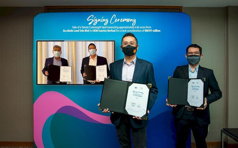 From left, Chew Gaik King, Director and Ta Wee Der, Senior Manager of Accolade Land Sdn Bhd, Kenny Wong, Chief Marketing Officer and Fahmi Zakaria, Head of Strategic Land Banking, UEM Sunrise. — Picture courtesy of UEM Sunrise