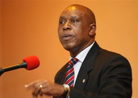 Businessman Tokyo Sexwale addresses journalists in Cape Town