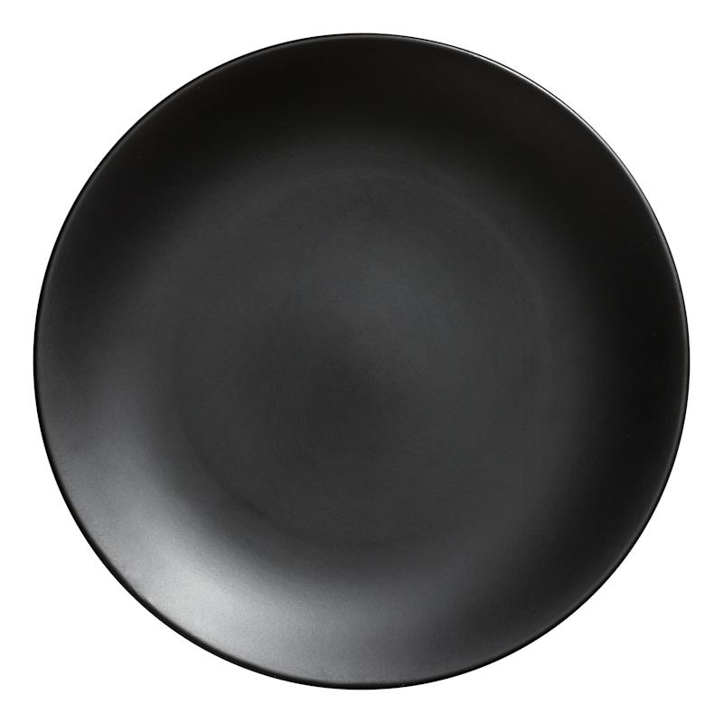 "Buy this <a href=""http://www.hm.com/us/product/70881?article=70881-C"" target=""_blank"">porcelain plate here</a> for $3.99"