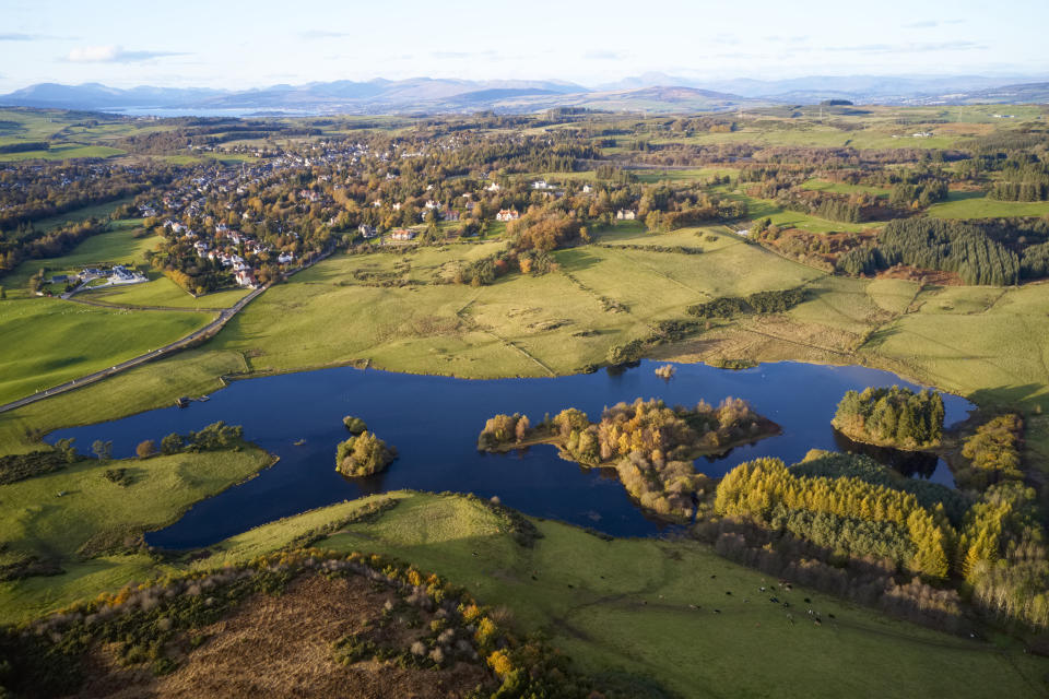 A bird's eye view over Knapps Loch in Kilmacolm (Getty Images)