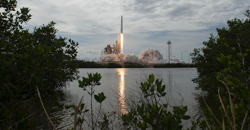The Dragon is packed with6,400 pounds (2,900 kilograms) of supplies, including a sophisticated super-computer made by Hewlett Packard Enterprise (HPE), called The Spaceborne Computer