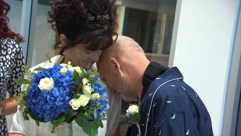 'I love him and I almost lost him': Montreal couple ties the knot in hospital after lifesaving surgery