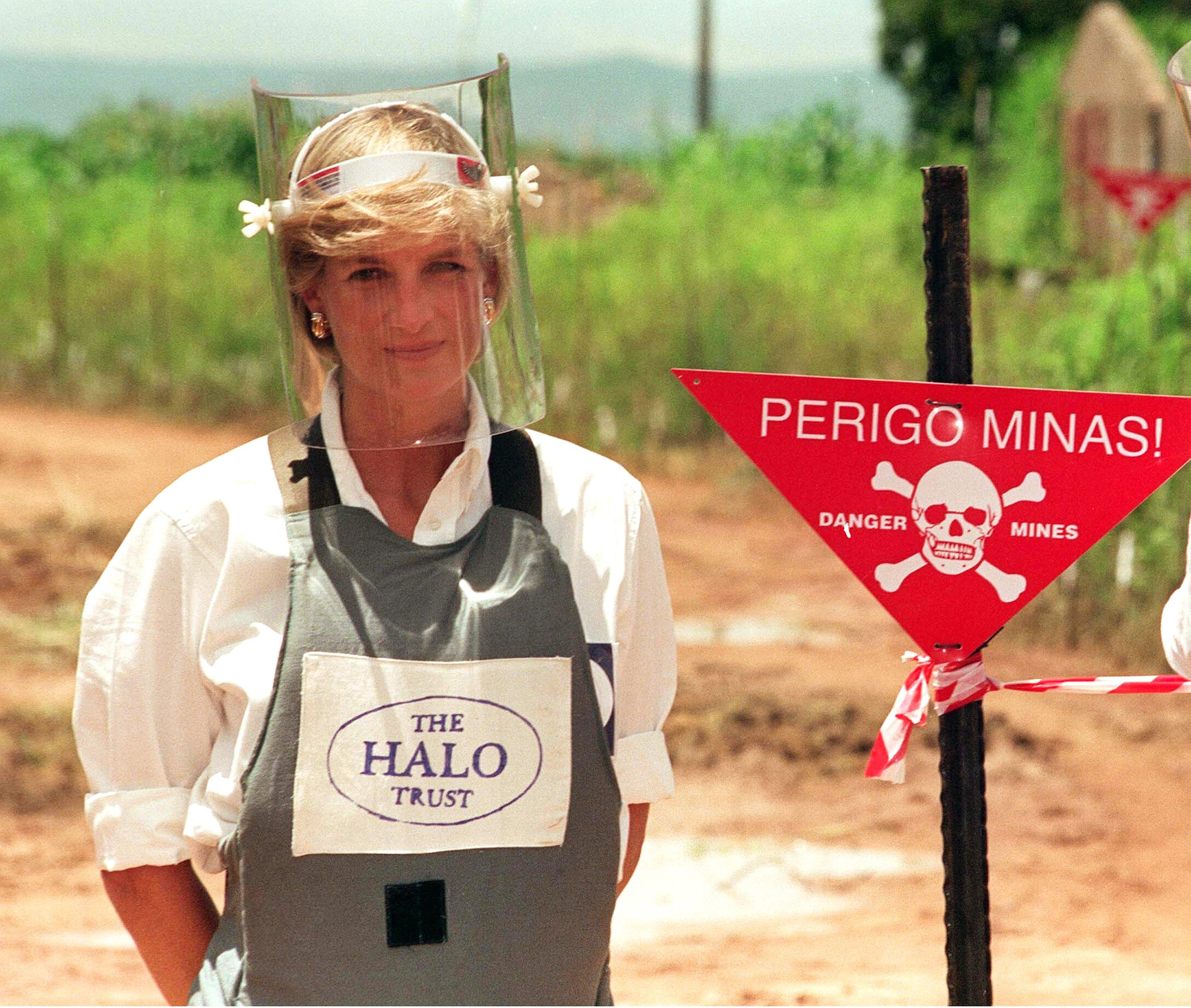 Princess Diana's landmine visit is still remembered - over 20 years later [Photo: Getty]
