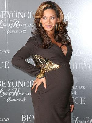 "<p>In November Beyonce hosted the screening of 'Live at Roseland: The Elements of 4' at the Paris Theatre in New York. <a rel=""nofollow"" href=""http://www.twitter.com/y7lifestyle"">Follow @y7lifestyle on Twitter</a></p>"
