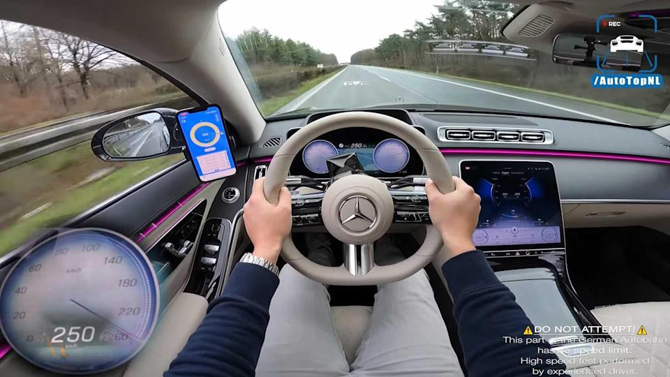 2021 Mercedes S500 on the Autobahn