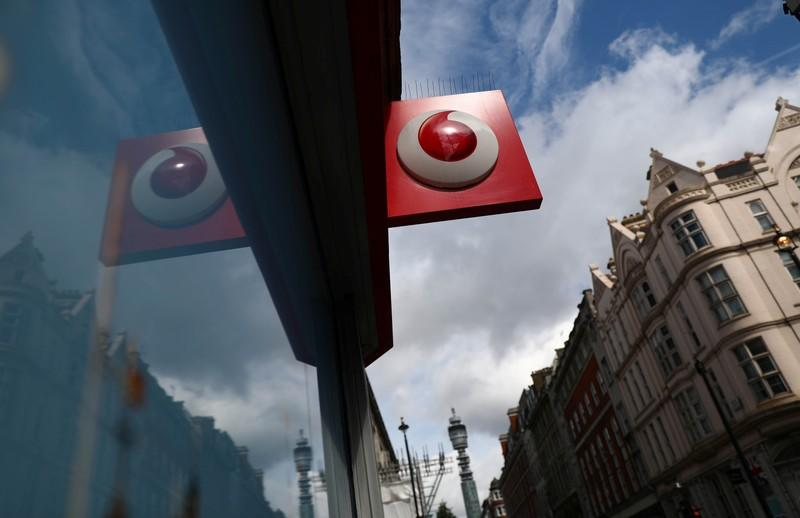 Virgin Media hangs up on BT with Vodafone mobile deal
