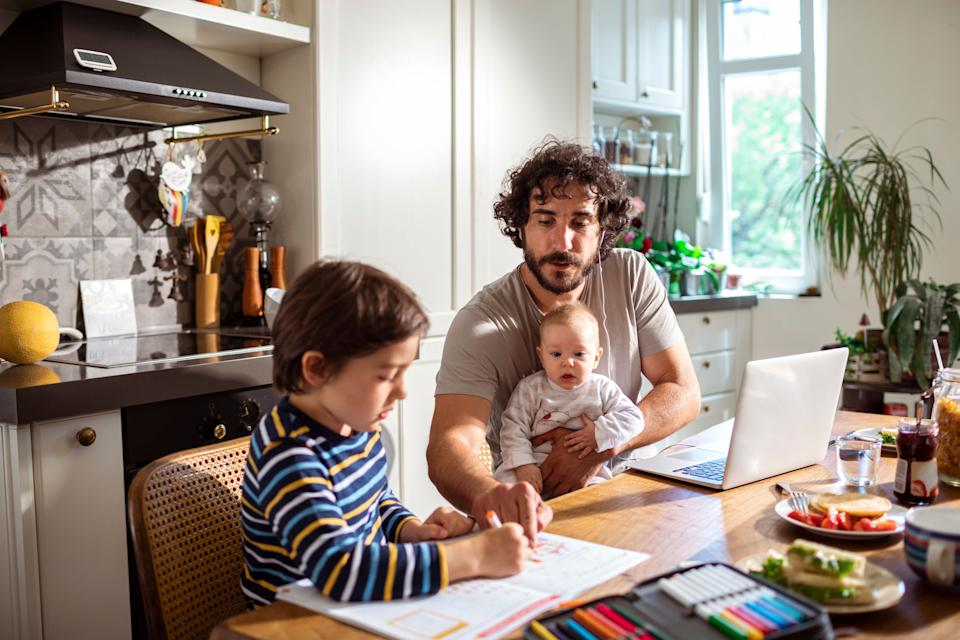 Mornings can be the most chaotic parts of the day for most parents. Daily Harvest's breakfasts of smoothies, oat bowls and chia bowls make mornings easier and healthier. <i>(Stock photo.)</i> (Photo: Marko Geber via Getty Images)
