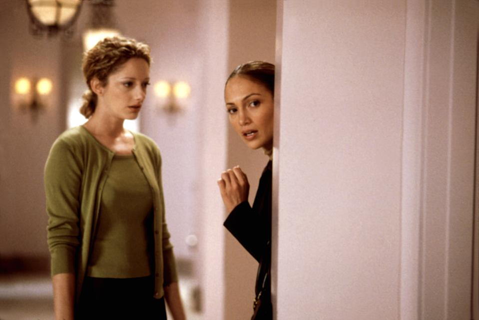 Judy Greer and Lopez in 'The Wedding Planner' (Photo: Columbia Pictures/Courtesy Everett Collection)