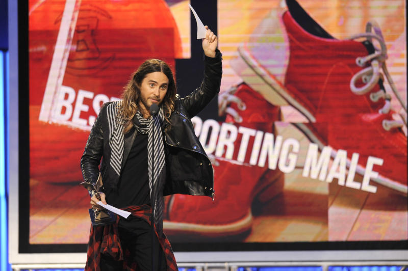 Jared Leto accepts the award for best supporting male on stage at the 2014 Film Independent Spirit Awards, on Saturday, March 1, 2014, in Santa Monica, Calif. (Photo by Chris Pizzello/Invision/AP)
