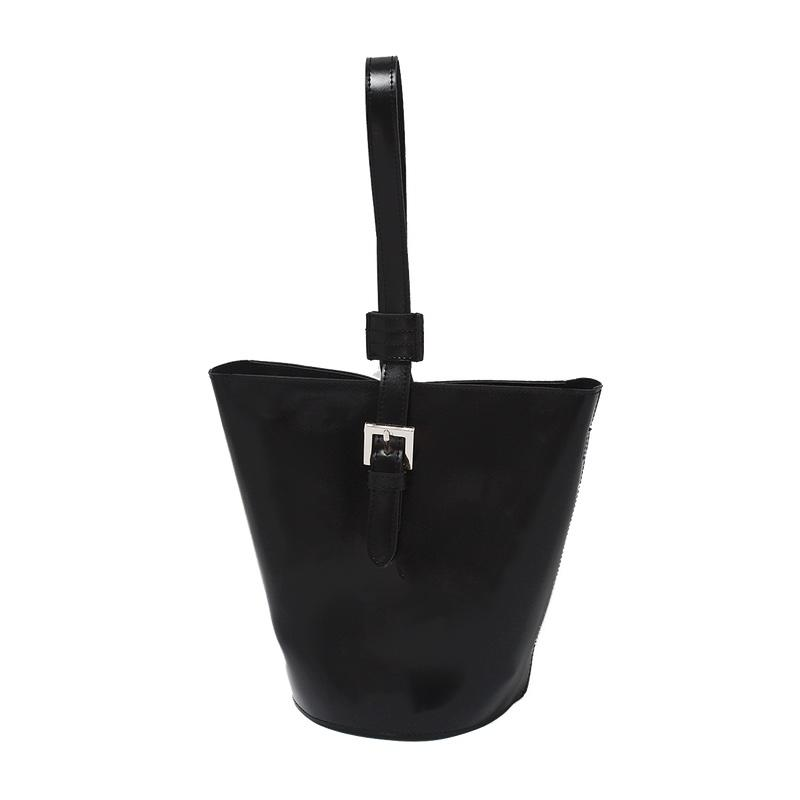 """<a rel=""""nofollow"""" href=""""https://theloeil.com/collections/bags/products/topas-bucket-bag-black"""">Topas Bucket Bag, Loeil, $88</a><p>     <strong>Related Articles</strong>     <ul>         <li><a rel=""""nofollow"""" href=""""http://thezoereport.com/fashion/style-tips/box-of-style-ways-to-wear-cape-trend/?utm_source=yahoo&utm_medium=syndication"""">The Key Styling Piece Your Wardrobe Needs</a></li><li><a rel=""""nofollow"""" href=""""http://thezoereport.com/beauty/hair/geode-hair-color-trend/?utm_source=yahoo&utm_medium=syndication"""">This Hair Color Trend Is About To Blow Up On Instagram</a></li><li><a rel=""""nofollow"""" href=""""http://thezoereport.com/beauty/celebrity-beauty/kim-kardashian-foundation-makeup/?utm_source=yahoo&utm_medium=syndication"""">Kim Kardashian Just Ditched Foundation For Something Better</a></li>    </ul> </p>"""