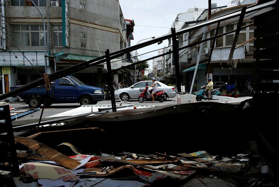 <p>Advertisement banners damaged by Typhoon Nepartak are seen in Taitung, Taiwan July 9, 2016. (Photo: Tyrone Siu/REUTERS) </p>