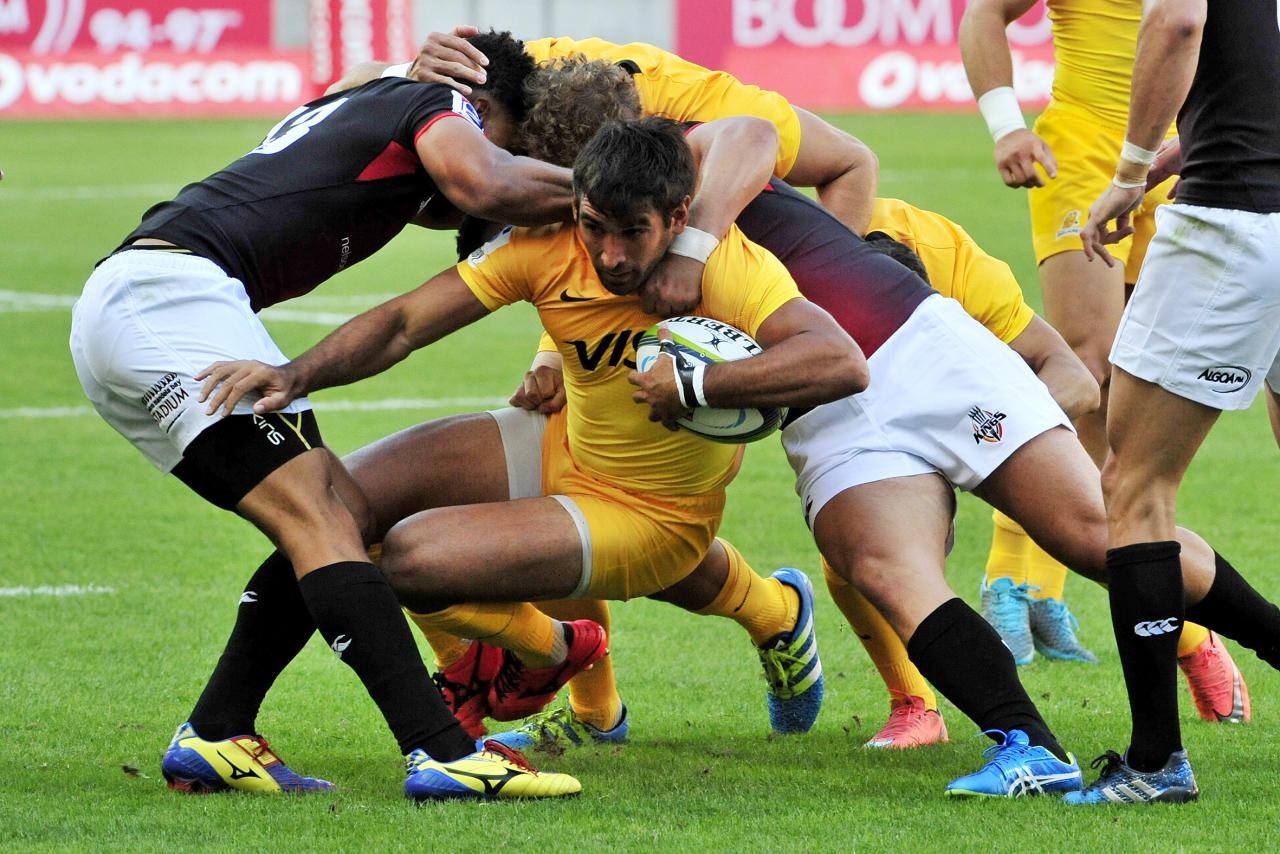 Jaguares' centre Matias Orlando is tackled during the Super XV rugby union match between South African Southern Kings and Argentina's Jaguares at the Nelson Mandela Nay stadium on February 25, 2017 in Port Elizabeth. (AFP Photo/Deryck Foster)