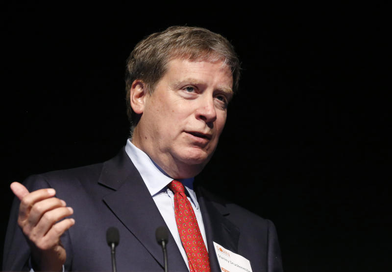 Stanley Druckenmiller, founder of Duquesne Capital Management, speaks at the Sohn Investment Conference in New York on May 8, 2013. REUTERS / Brendan McDermid (USA - Tags: BUSINESS)