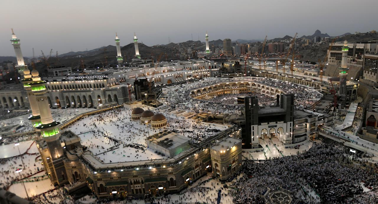 <p>Muslims pray at the Grand mosque during the annual Haj pilgrimage in Mecca, Saudi Arabia, Sept. 3,2017. (Photo: Suhaib Salem/Reuters) </p>