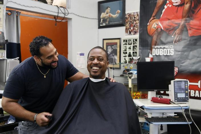 """<span class=""""caption"""">A barbershop near Los Angeles teamed up with pharmacists to monitor customers' blood pressure.</span> <span class=""""attribution""""><a class=""""link rapid-noclick-resp"""" href=""""http://apimages.com"""" rel=""""nofollow noopener"""" target=""""_blank"""" data-ylk=""""slk:AP Photo/Damian Dovarganes"""">AP Photo/Damian Dovarganes</a></span>"""