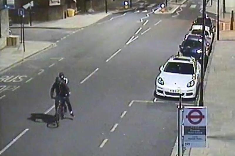 Police have released CCTV showing the two suspects fleeing the scene (Metropolitan Police)