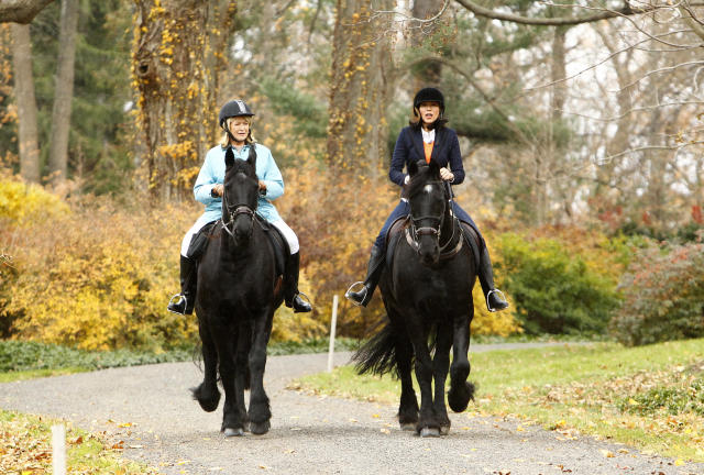 Martha Stewart and Ann Curry appear on horseback on NBC News' 'Today' show. (Photo: Getty)