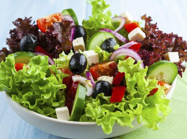 <b>Friday  </b><br><br><b>Breakfast</b>: 1/2 cup berries, a few almonds and 1 pint of fat free milk. <br><b>Lunch</b>: Fat free beans and 1 chapati with vegetables or cheese, cucumber slices. <br><b>Dinner</b>: Green salad with fat free dressing, chapati.  <br><b>Tip</b>: Drink fresh water all through the day. Avoid soft drinks and soda instead includes tomato or lemon juice in your diet.