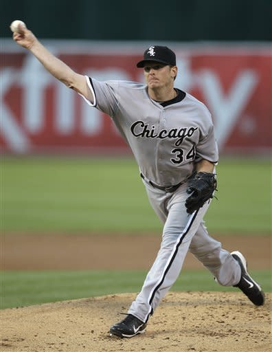 Chicago White Sox pitcher Gavin Floyd works against the Oakland Athletics during the first inning of a baseball game Tuesday, April 24, 2012, in Oakland, Calif. (AP Photo/Ben Margot)