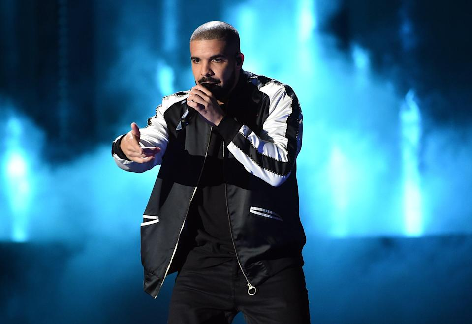 Drake weighs in on the Weeknd's Grammy snub (Getty Images)