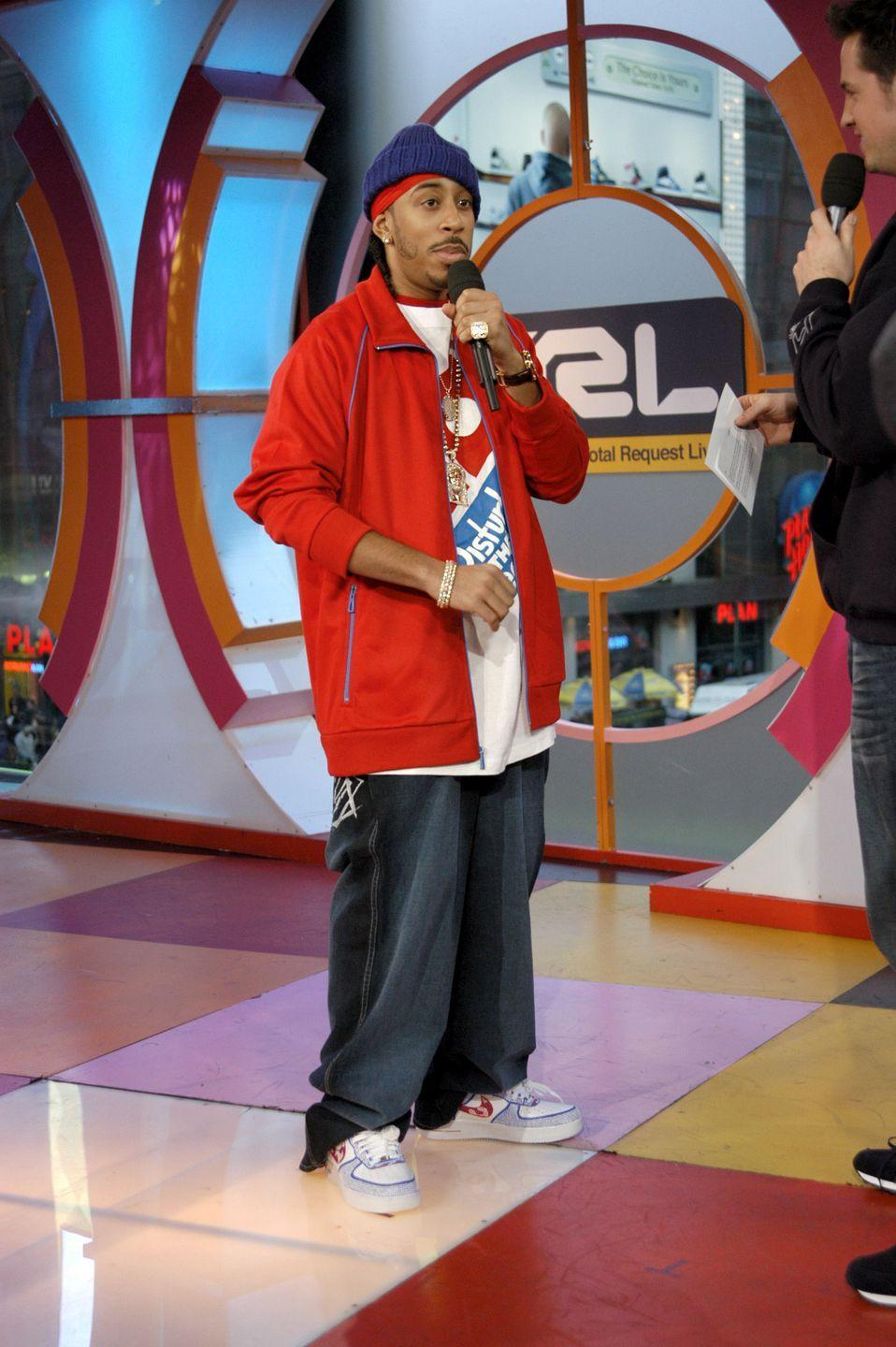 <p>It isn't Ludacris's fault. He simply fell victim to the oversized pant leg trend that was gripping the nation in 2005. </p>