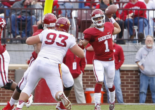 Oklahoma quarterback Kendal Thompson passes against Iowa State in the third quarter of an NCAA college football game in Norman, Okla. on Saturday, Nov. 16, 2013. Oklahoma won 48-10. (AP Photo/Alonzo Adams)