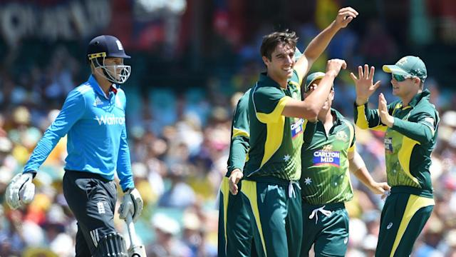 England will bat first against Australia in the opening match of the Tri Nations one-day series