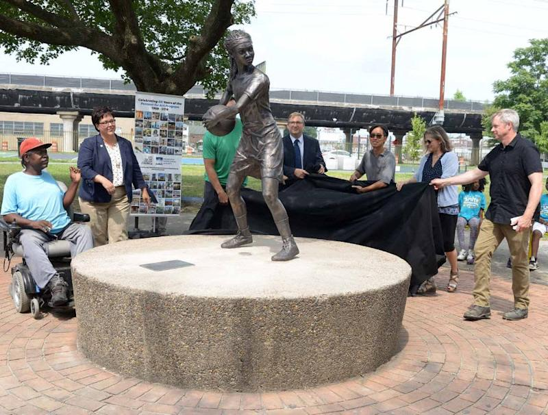 From left to right: Mr. Ron, Kathryn Ott Lovell, Connor Barwin, Brian Abernathy, Jacque Liu, Margot Berg, Brian McCutcheon. (Credit: Tony Webb / Office of the City Representative, City of Philadelphia 2019)