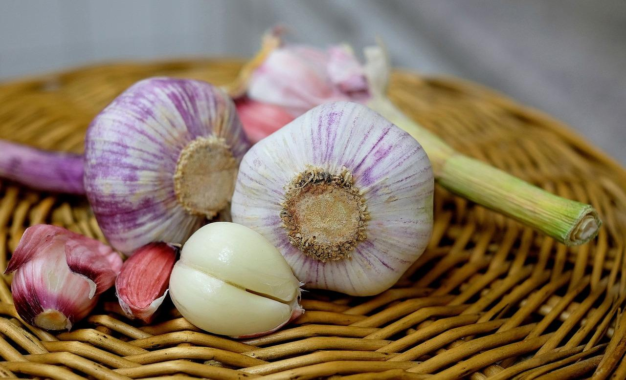 This spice has had a long history of medicinal value. Studies have shown that garlic indeed has cardiovascular, anti-microbial and antineoplastic properties. It's also a perfect spice to use when doing sauteed dishes.
