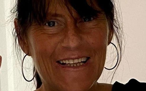 Romford murder: Mother-of-two Maria Jane Rawlings, 45, found dead in bushes by dog walker - Met Police