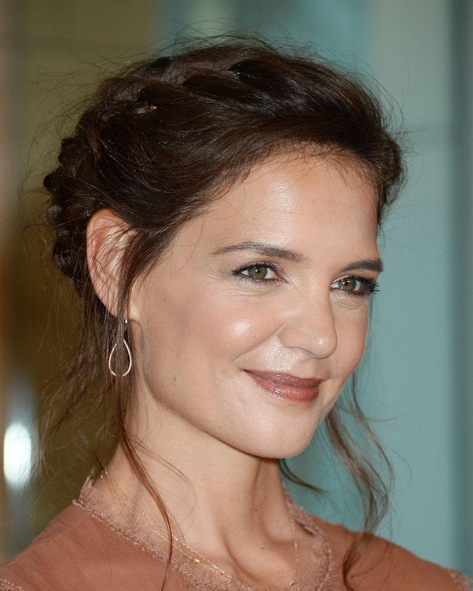 <p>Katie Holmes' undone Dutch braid is the perfect example of 'Oh this plait? It was there when I woke up' hair.</p>