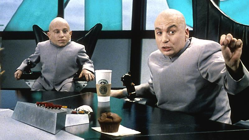 Verne Troyer made his debut as Dr Evil's clone Mini-Me in 'Austin Powers: The Spy Who Shagged Me'. (Credit: New Line Cinema)