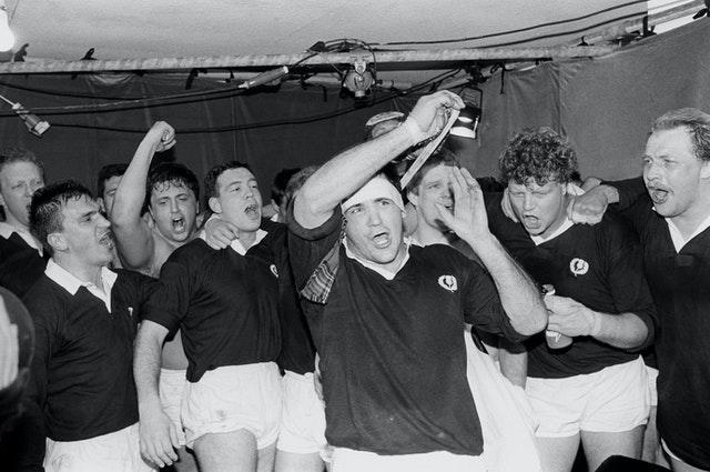 David Sole, centre, was the last Scotland captain to lead his side to six straight victories with their Grand Slam-clinching win over England back in 1990