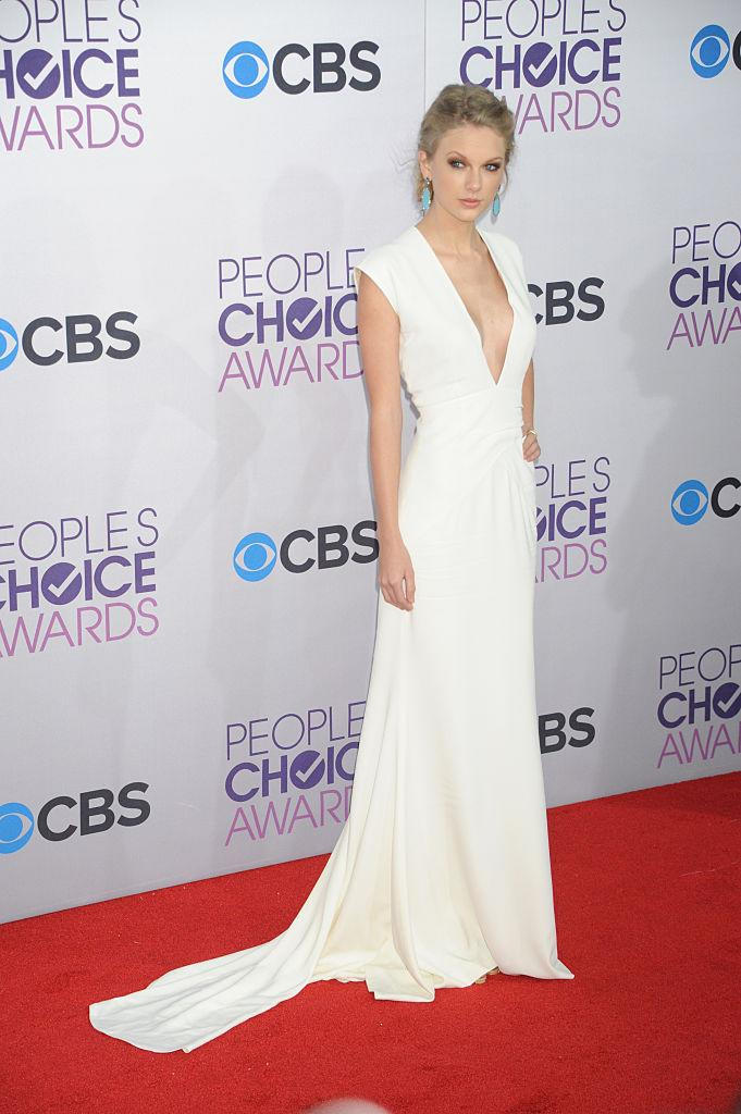 Taylor Swift took the plunge in a Ralph Lauren dress in 2013. (Photo: Getty Images)