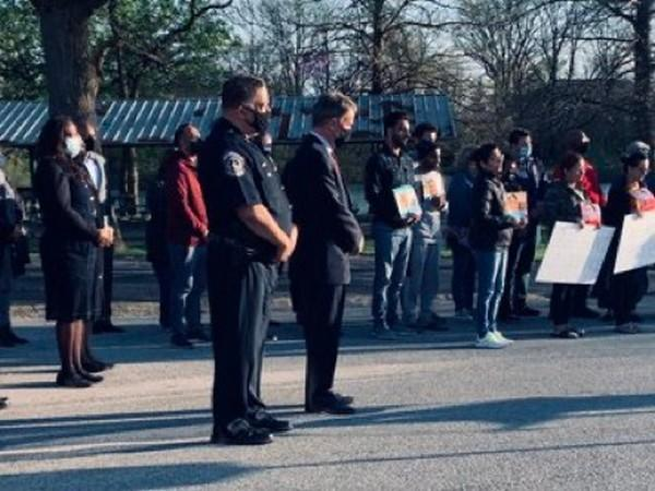 Indianapolis Metropolitan Police Department (IMPD) on Saturday (local time) held a prayer vigil for victims of the FedEx shooting.