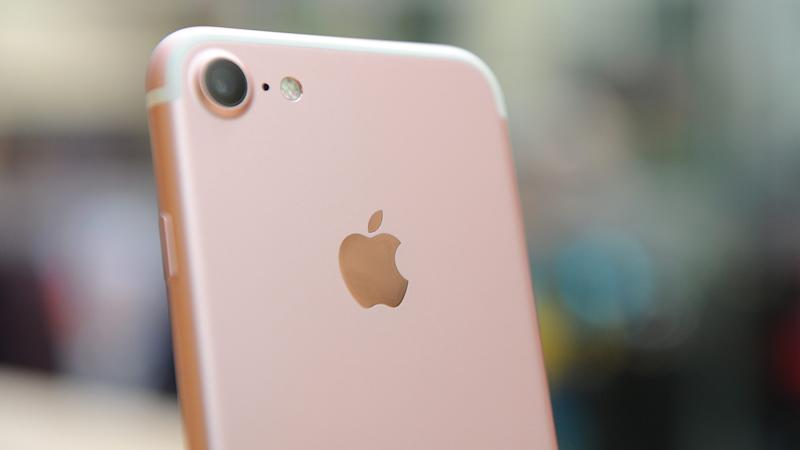 Apple agrees to pay $500m over 'iPhone slowdown' lawsuit