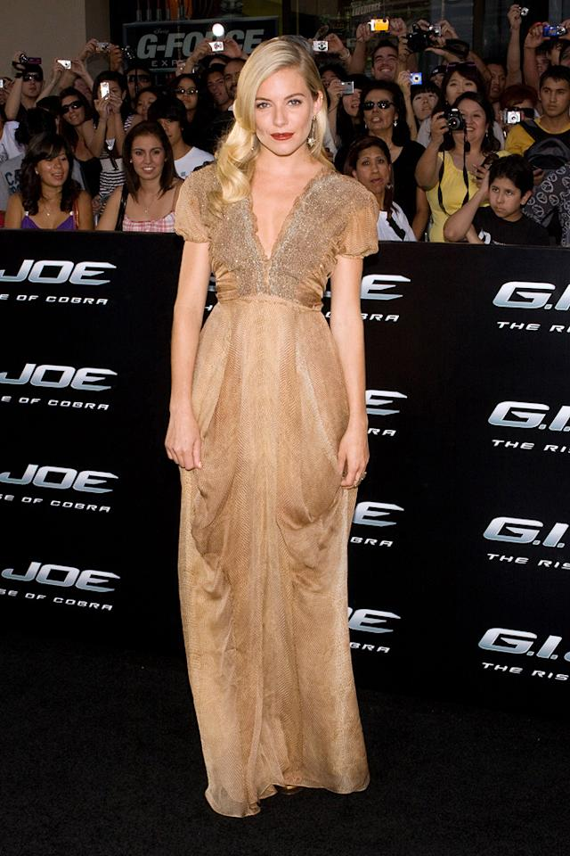 "<a href=""http://movies.yahoo.com/movie/contributor/1808454413"">Sienna Miller</a> at the Los Angeles premiere of <a href=""http://movies.yahoo.com/movie/1809993532/info"">G.I. Joe: The Rise of Cobra</a> - 08/06/2009"