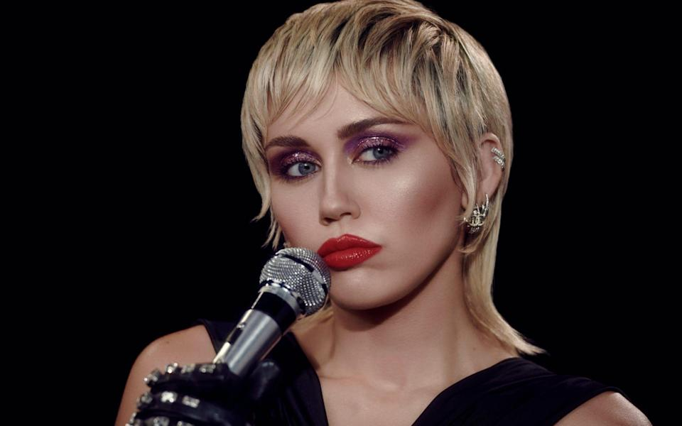 """""""I f----d up, I wasn't sober the last couple of months,"""" Miley Cyrus told Zane Low"""