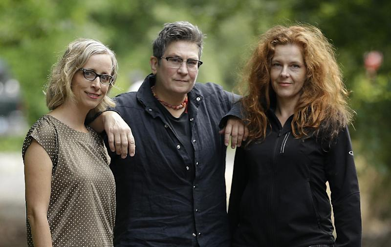 Neko Case, k.d. lang and Laura Veirs overcome obstacles