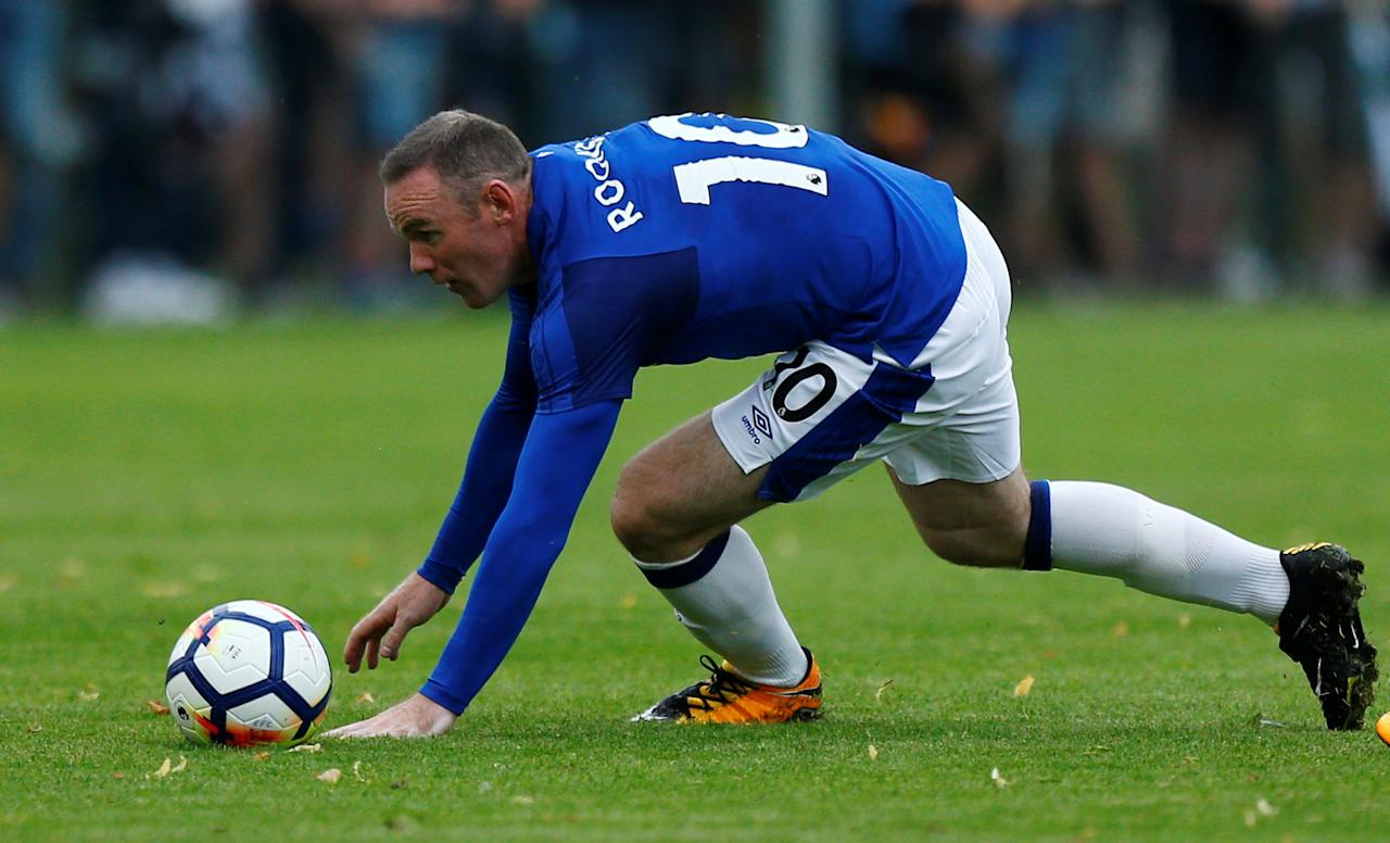 Soccer Football - FC Twente vs Everton - Pre Season Friendly - De Lutte, Netherlands - July 19, 2017   Everton's Wayne Rooney     REUTERS/Michael Kooren