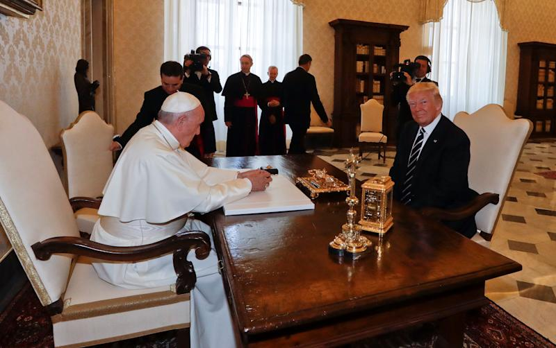 Pope Francis meets U.S. President Donald Trump during a private audience at the Vatican, May 24, 2017. (POOL New / Reuters)