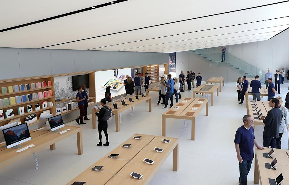 A view of the new flagship Apple Store on May 19, 2016, in San Francisco, California. (Photo by Justin Sullivan/Getty Images)