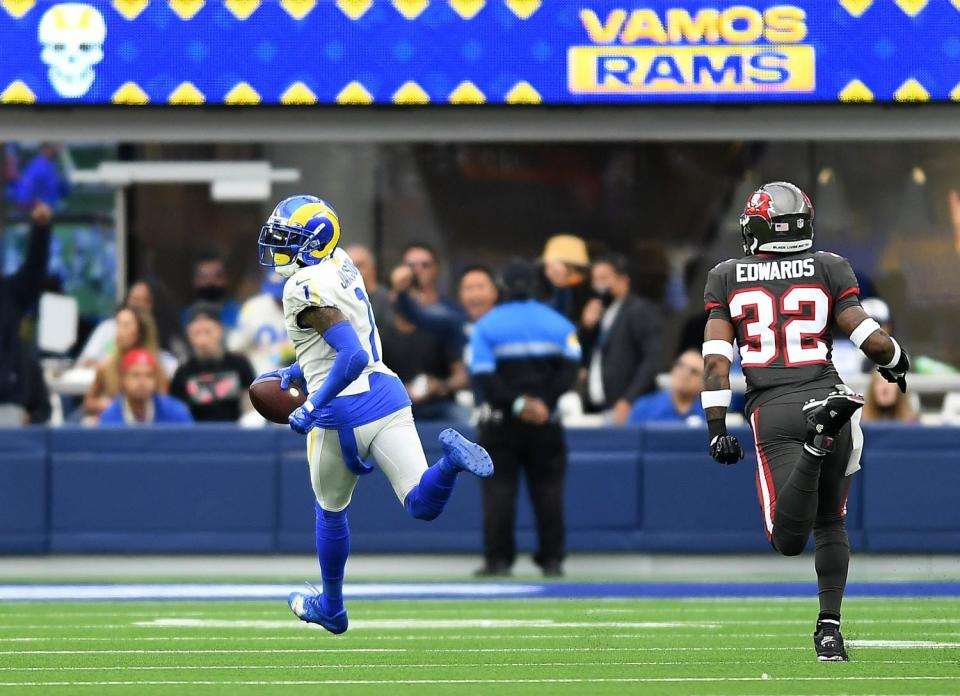 Rams wide receiver DeSean Jackson beats Buccaneers safety Mike Edwards to the end zone.