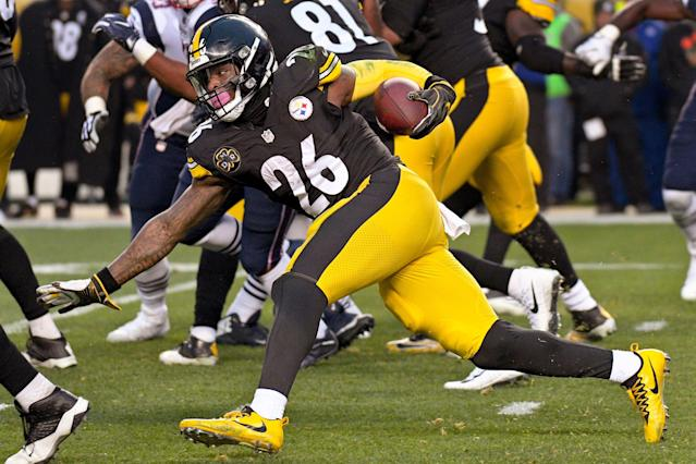 Le'Veon Bell (26) didn't play last season, and that adds to his intrigue as a free agent. (AP)