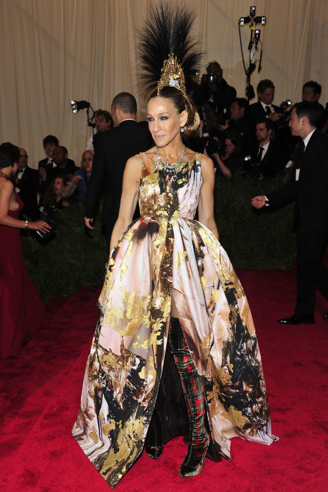 """Sarah Jessica Parker attends The Metropolitan Museum of Art's Costume Institute benefit celebrating """"PUNK: Chaos to Couture"""" on Monday May 6, 2013 in New York. (Photo by Charles Sykes/Invision/AP)"""