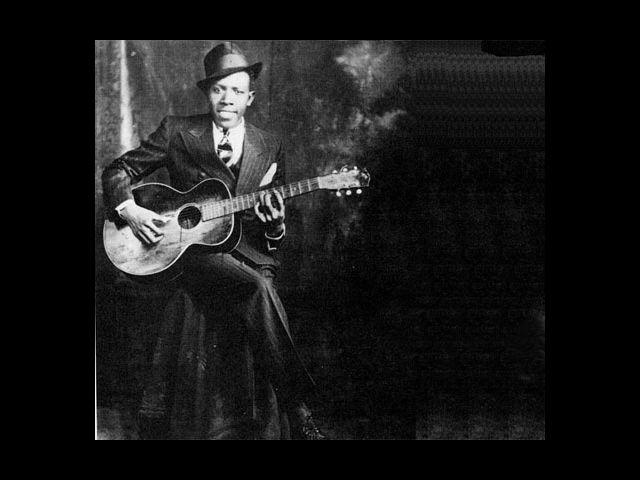 <b>1. Robert Johnson</b><br> If there is a man who articulately makes every element of his attire work, it's got to be Robert Johnson. The man is tall, has a great sense of style, wears clothes that are most perfectly tailored and does not overdo it with accessories.